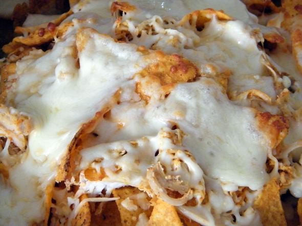 zelf nachos met kaas maken