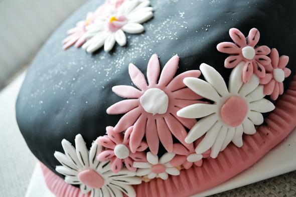 aardbeien vulling fondant taart