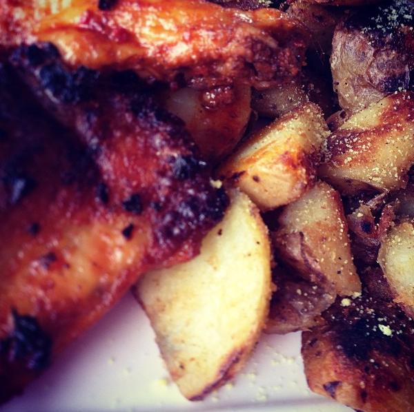gebakken aardappels met kip