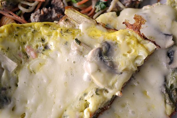 gevulde omelet met gerookte zalm