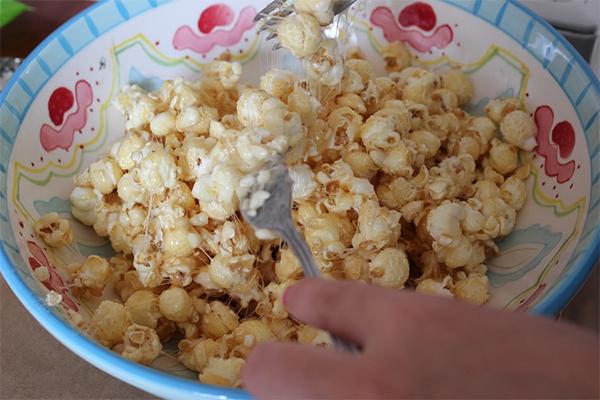 popcorn pops