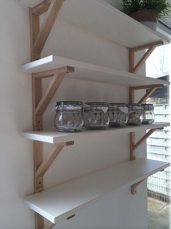Houten Planken Keuken Muur.Planken In Keuken Simple Eiken Zwevende Plank En Eiken Magnetron