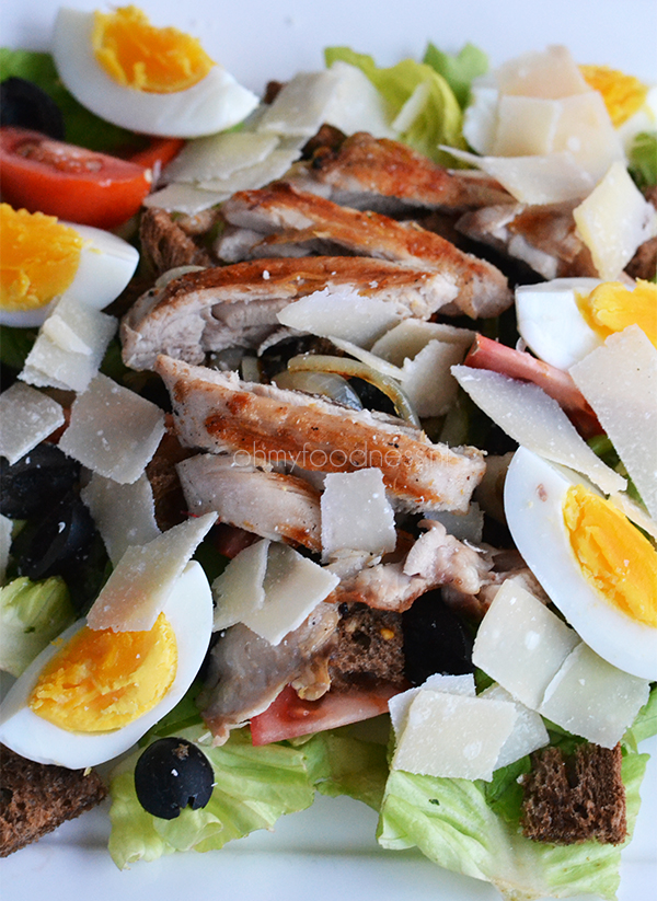 salade met kippendijen