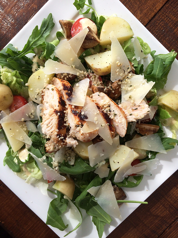 maaltijdsalade met krieltjes en pittige kip