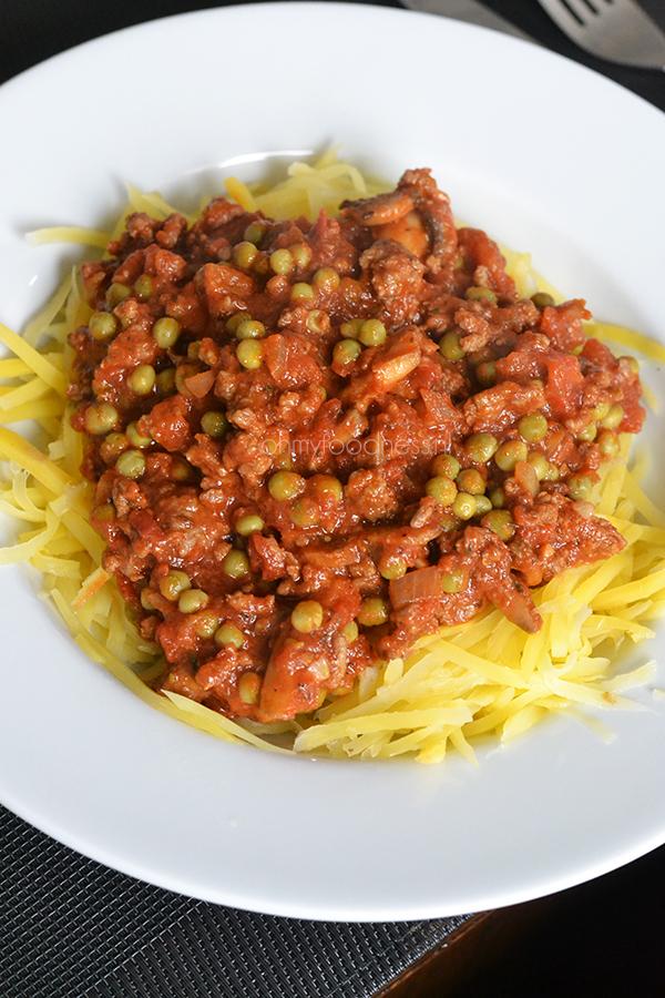 Spaghetti van koolraap met bolognesesaus