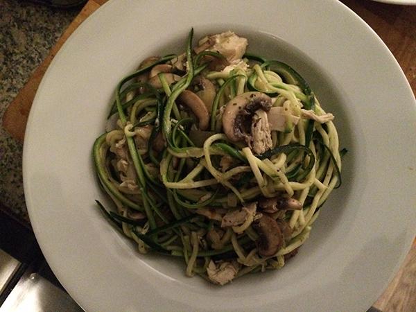 Courghetti met champignonsaus