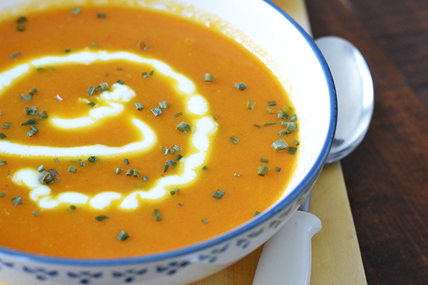 Pittige wortelsoep met gerookte paprika