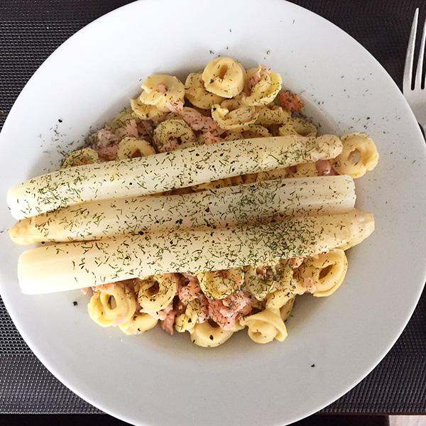 tortellini met witte asperges