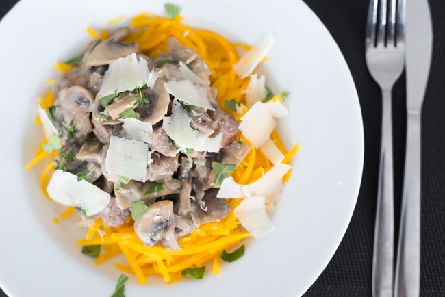 Pompoenspaghetti met champignonsaus