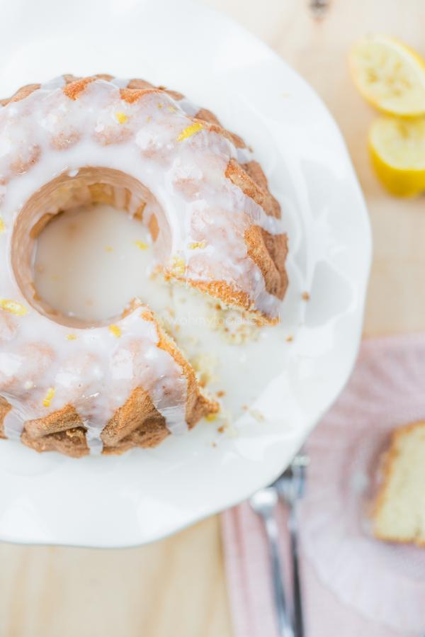 Luchtige vanillecake met citroenglazuur
