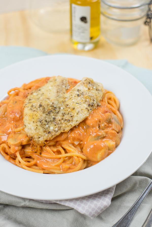 Spaghetti met Tilapia in Parmezaankorst