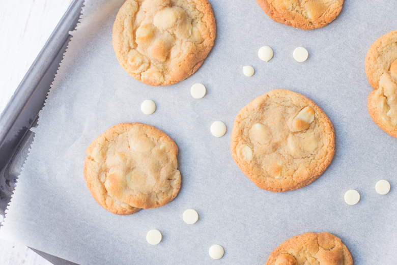 Witte chocolade & macadamia cookies