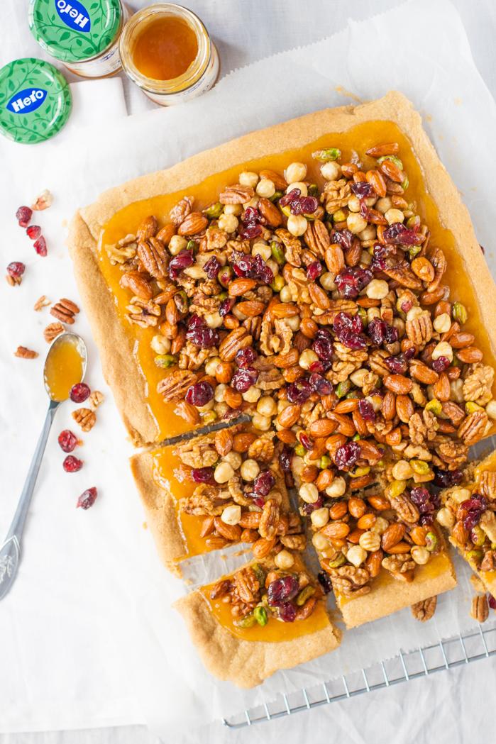 Noten plaatkoek met abrikozen