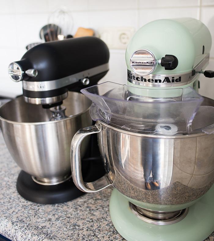 KitchenAid Mini vs Artisan