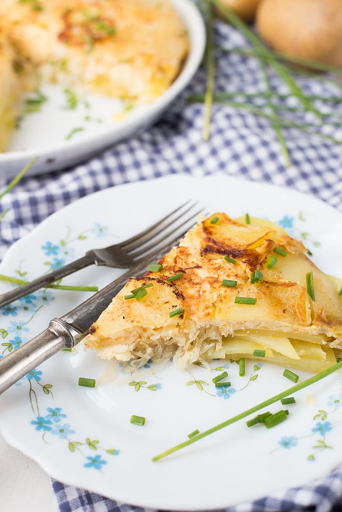 Aardappeltortilla met zuurkool en appel