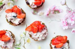 Granola key lime cheesecakecups