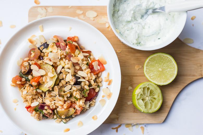 Salade van parelgort met gegrilde groenten