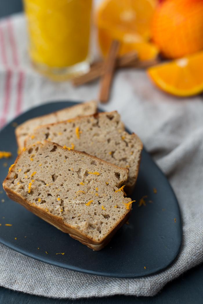 Sinaasappel-boekweitcake met kaneel