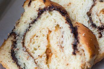 Pindakaas babka met chocolade