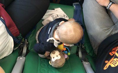 Met baby op vliegvakantie
