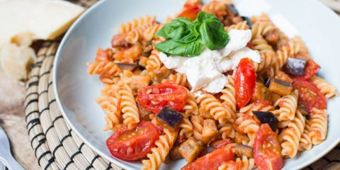Fussili met tomaat en aubergine
