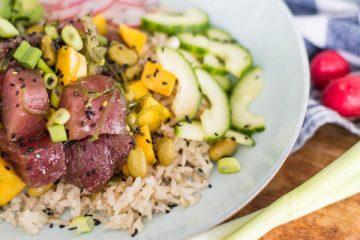 Pokebowl met tonijn en mango