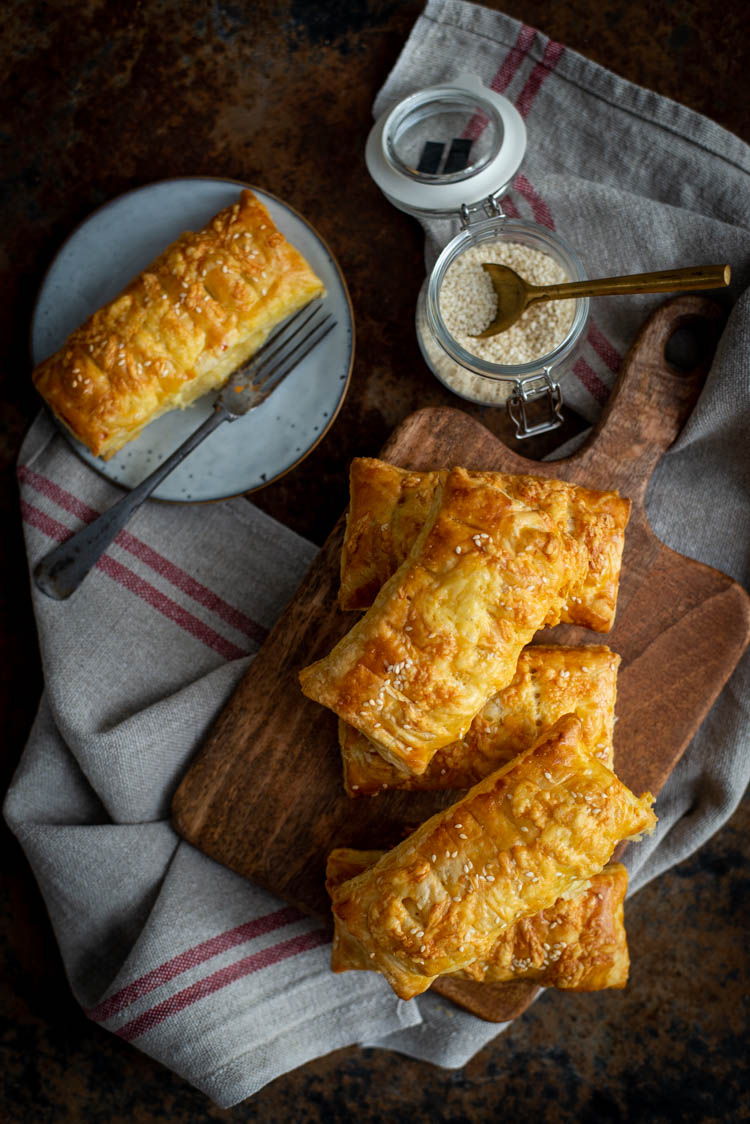 Kaasbroodjes van bladerdeeg