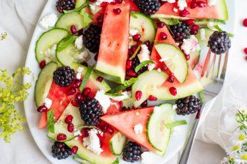 Watermeloensalade met bramen en feta