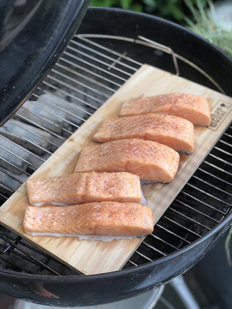 Verrassend Zalm roken op de barbecue - OhMyFoodness FK-88