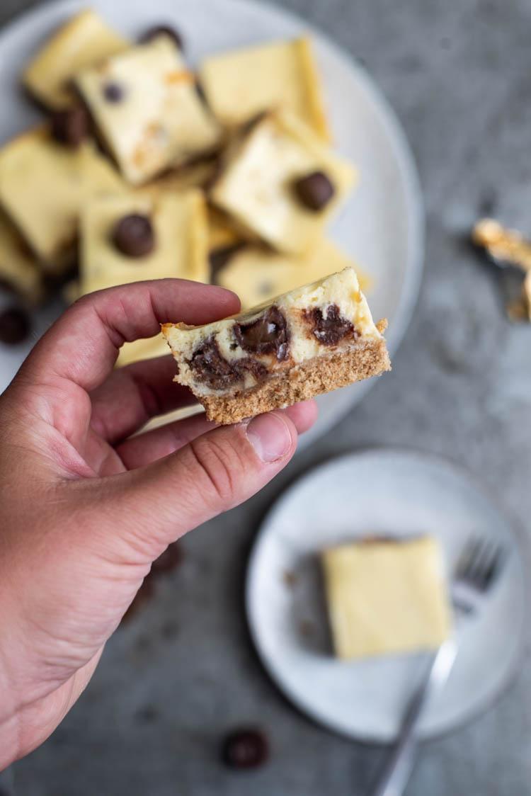 Chocolate-chip & Rolo Cheesecakebars