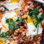 Shakshuka met couscous en sucuk
