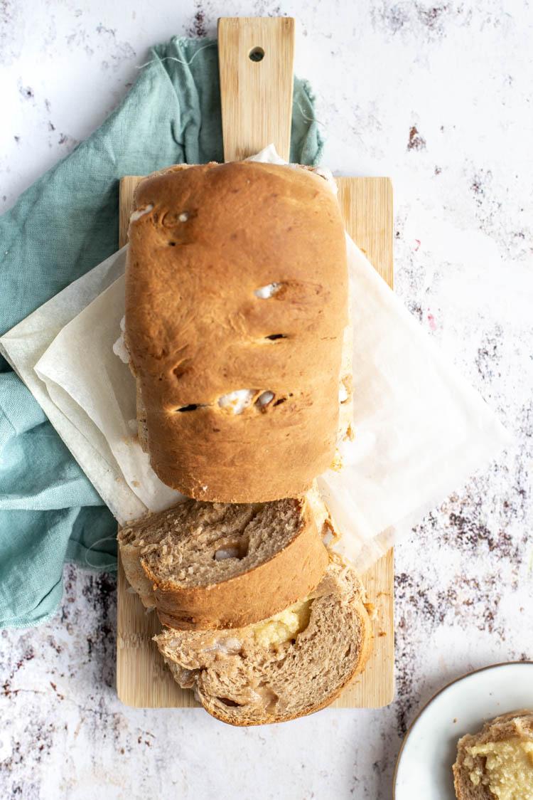 Suikerbrood met amandelspijs en speculaaskruiden