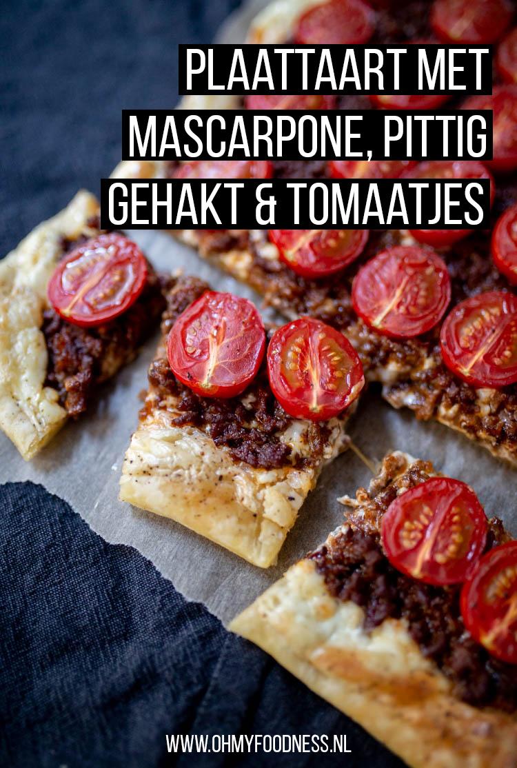 Plaattaart met mascarpone, pittig gehakt en tomaatjes
