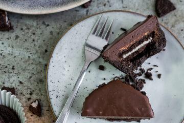 Chocoladefudgetaartjes met pindakaas & Oreo