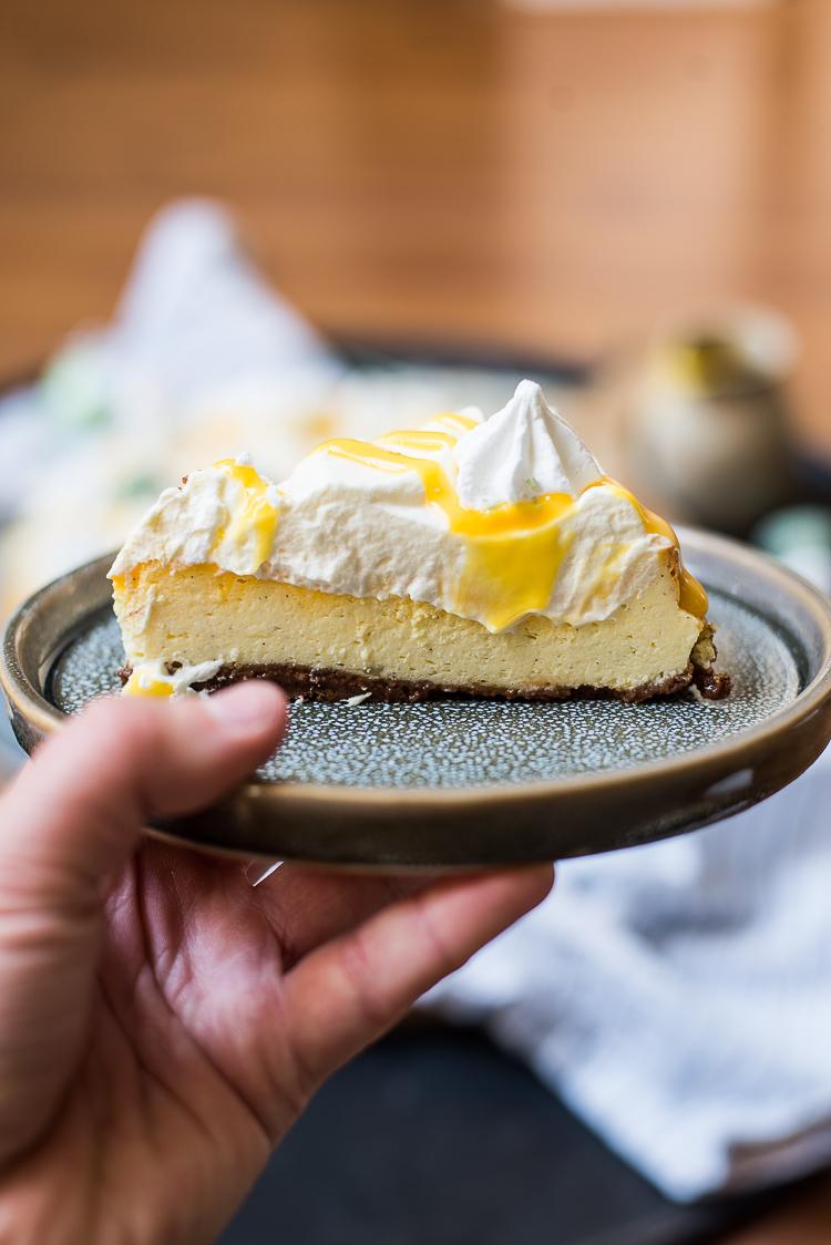 Advocaat-cheesecake met paaseitjes