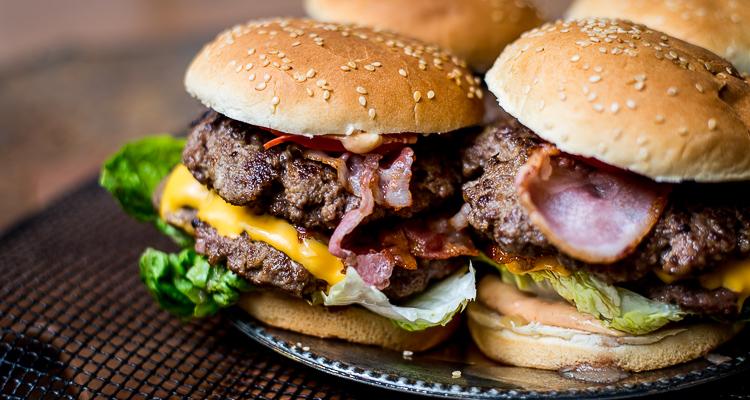 Dubbele bacon burger