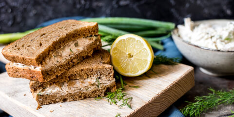 Frisse kipsalade voor op brood