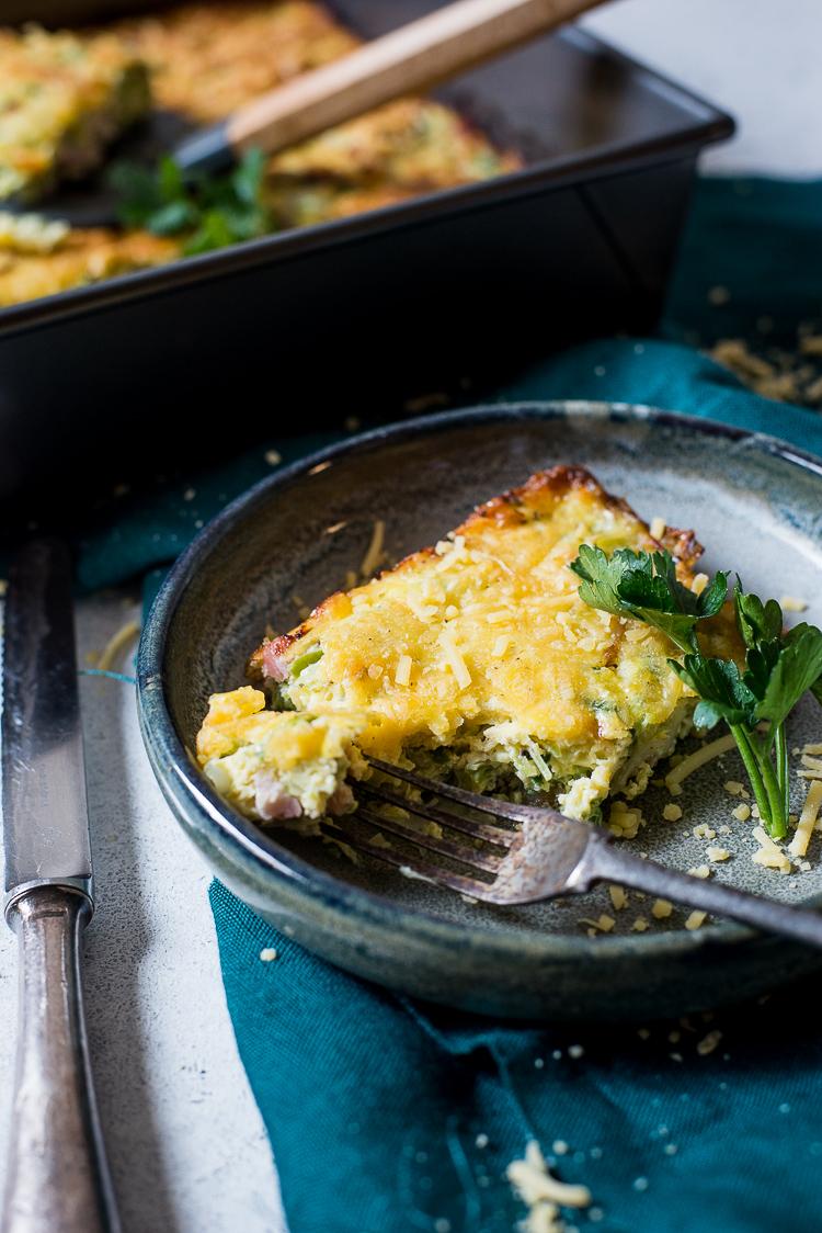 Omelet uit de oven met prei en spek