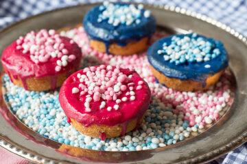Blauwe/roze koeken met muisjes