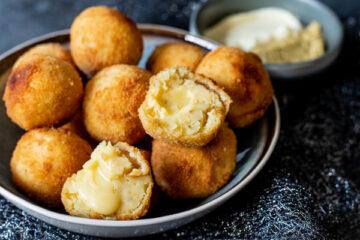 Gevulde aardappelbitterballen