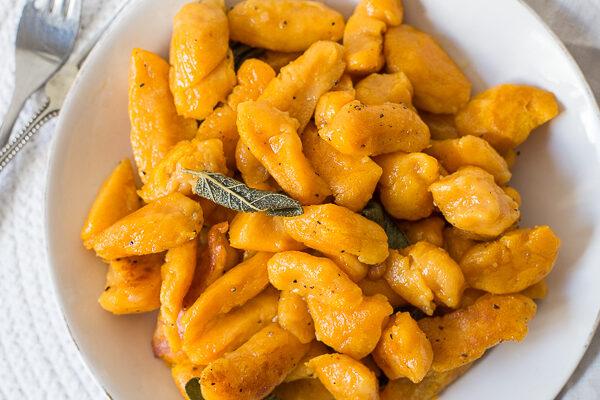 Zoete aardappelgnocchi met salieboter