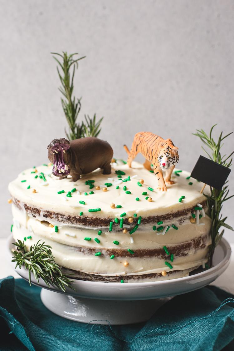 Jungletaart (naked carrotcake)