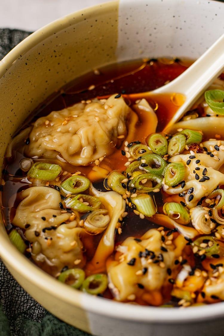 Beef dumplings in zoetzure soep